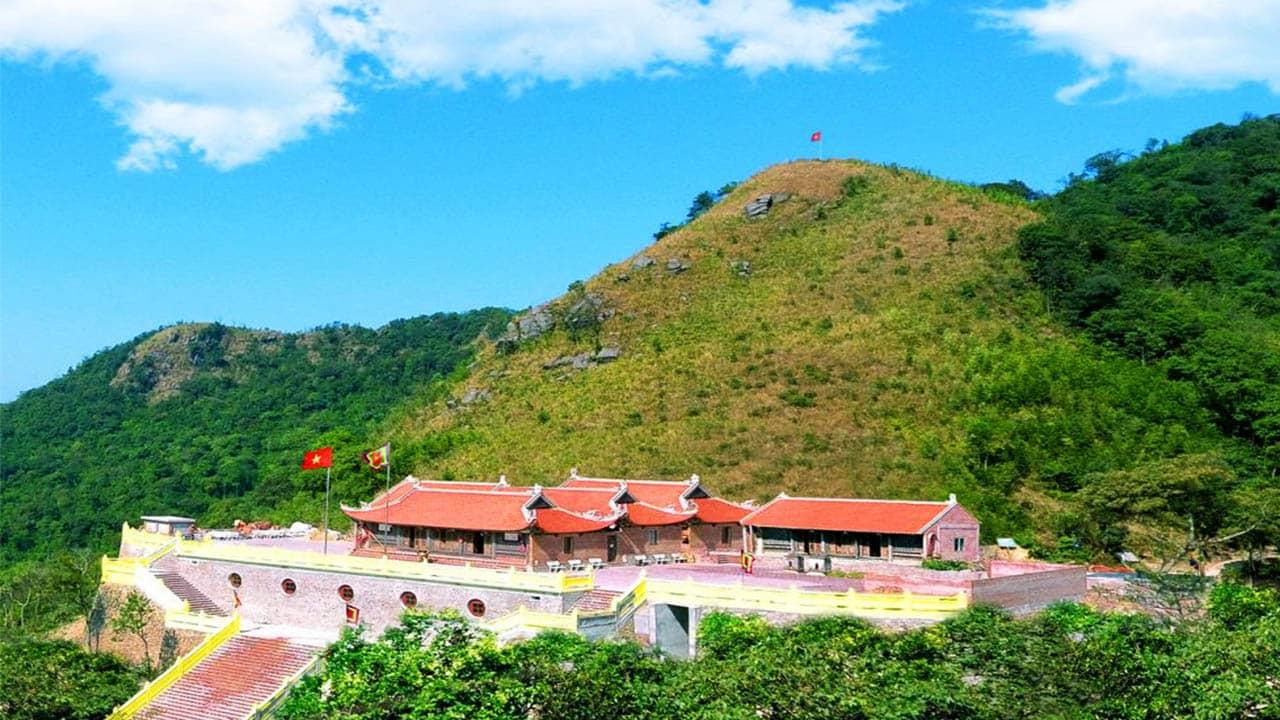 Thời điểm lý tưởng nhất để du lịch Ngọa Vân là từ mùng 9 tháng giêng đến hết tháng 3 âm lịch