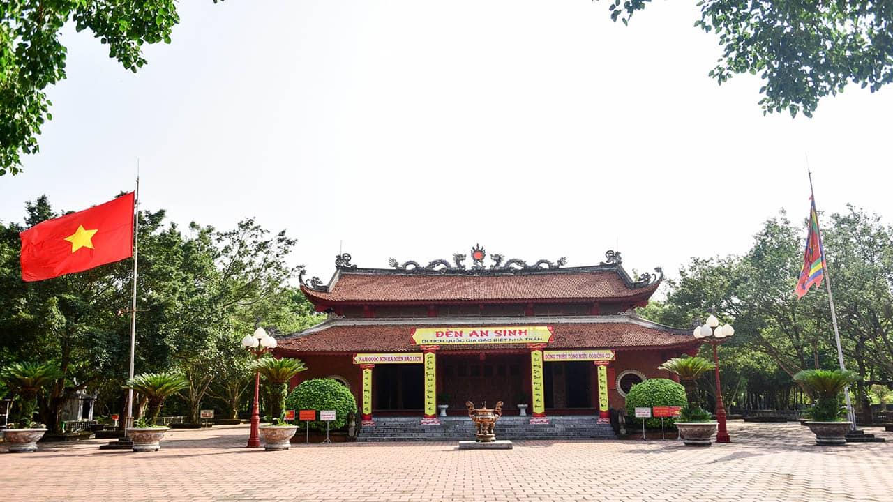 Qua nhiều lần tu sửa nhiều nhưng đền An Sinh vẫn giữ được nét cổ kính, linh thiêng