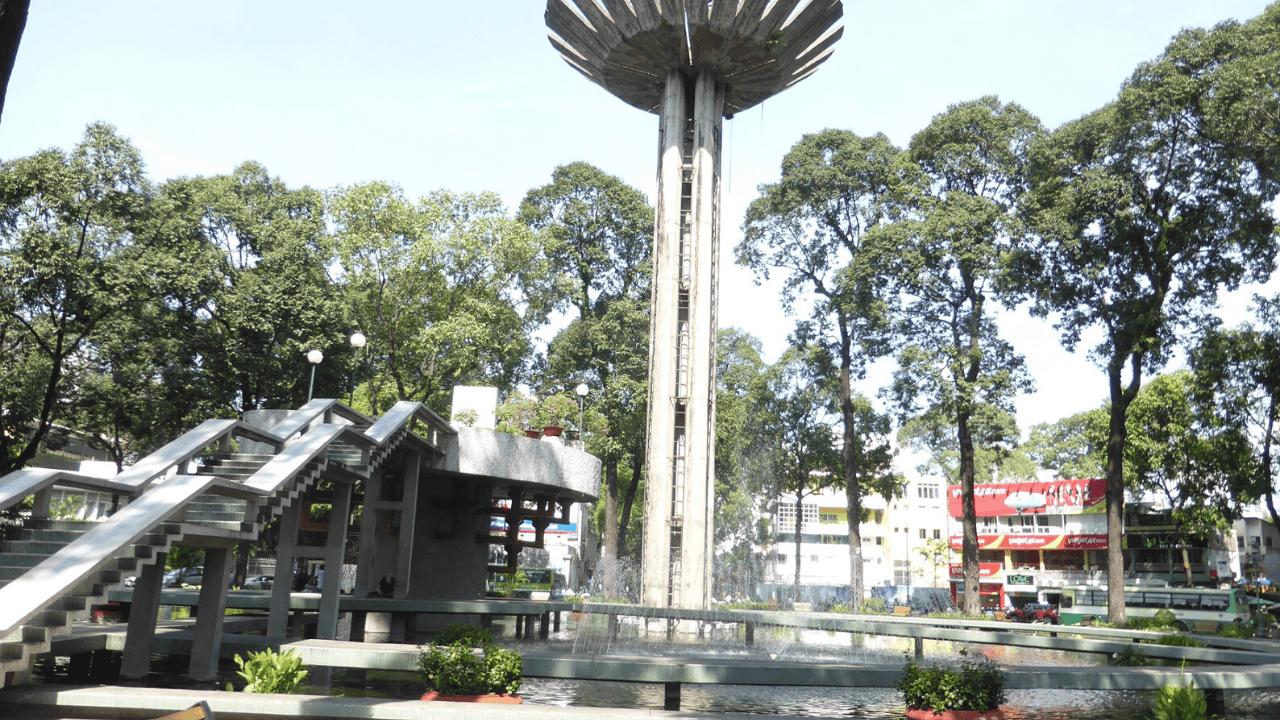 Hồ Con Rùa là địa điểm valentine Sài Gòn lý tưởng