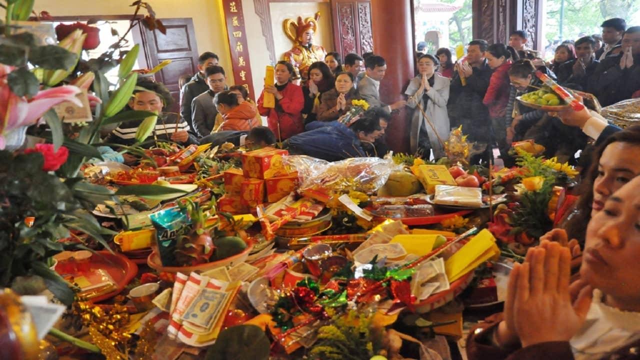 Đồ lễ chuẩn bị khi hành hương chùa Ngọa Vân