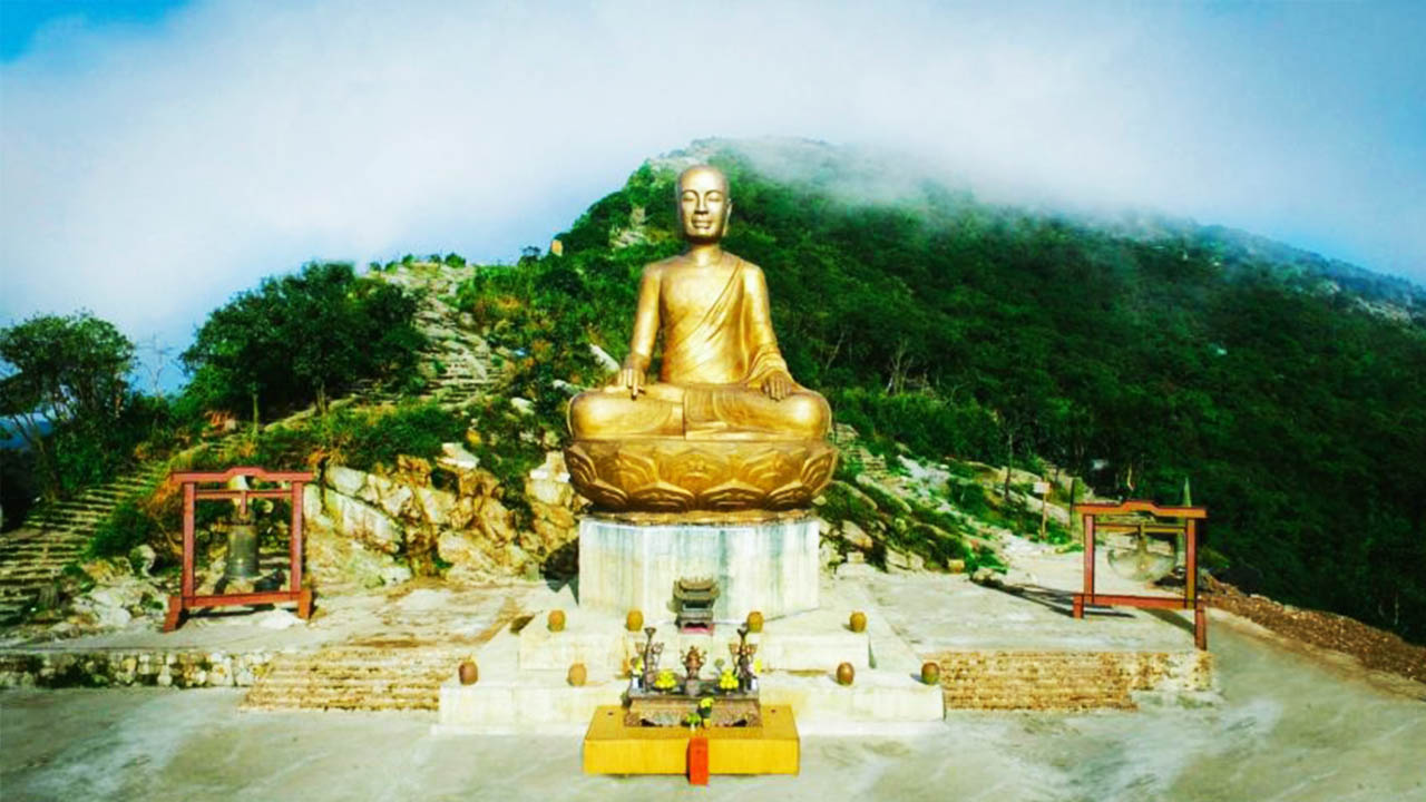 Yên Tử được coi là đất tổ của Phật giáo Việt Nam