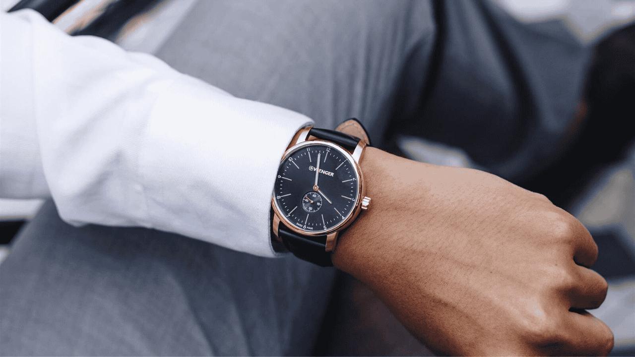 Đồng hồ luôn là món quà valentine ý nghĩa được nhiều người yêu thích