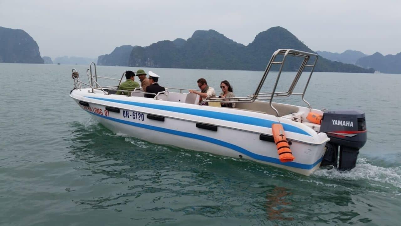 Q&A về thuê cano/xuồng cao tốc thăm vịnh Hạ Long