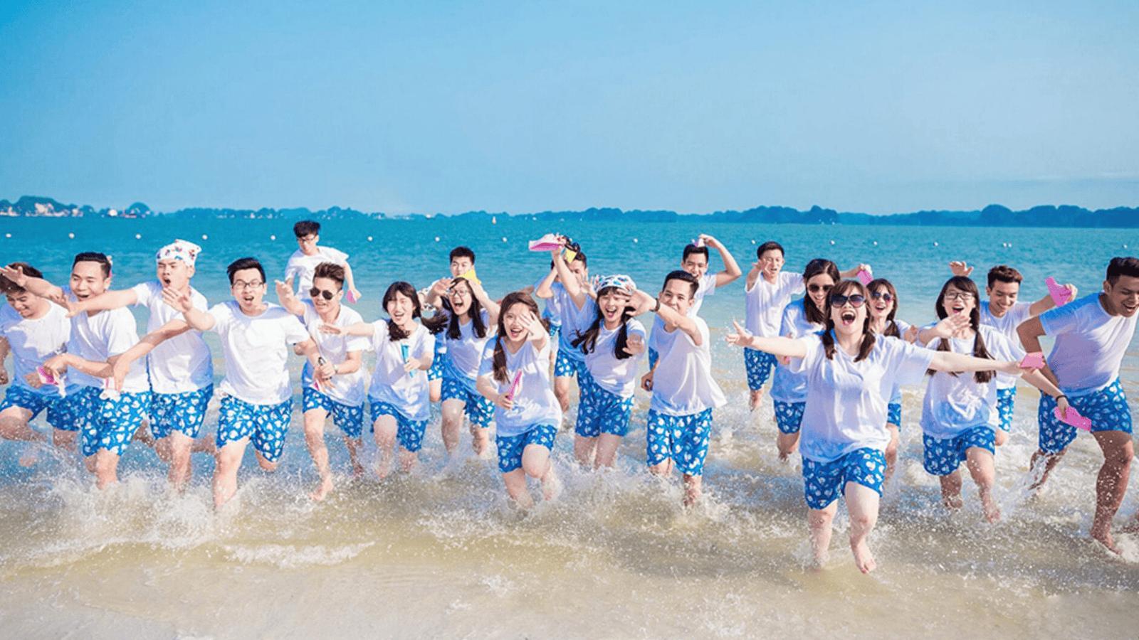 Vui chơi team building trên biển Bãi Trường