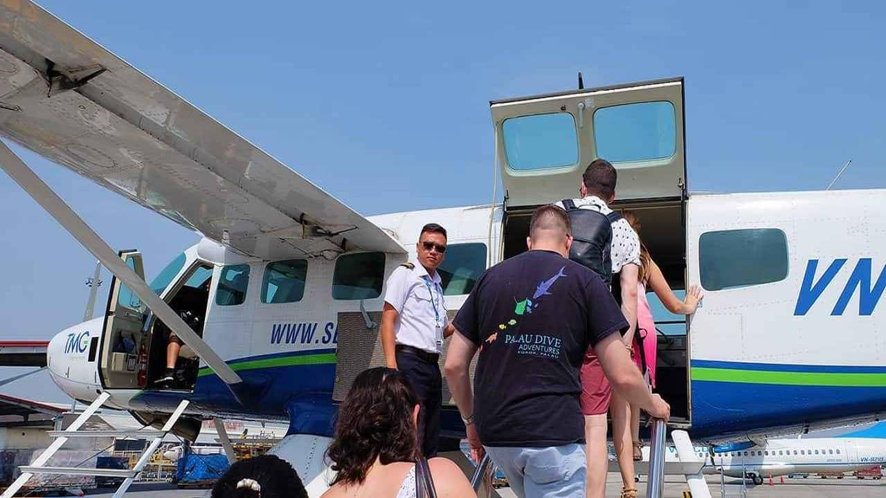 mỗi phi công sẽ là một hướng dẫn viên du lịch