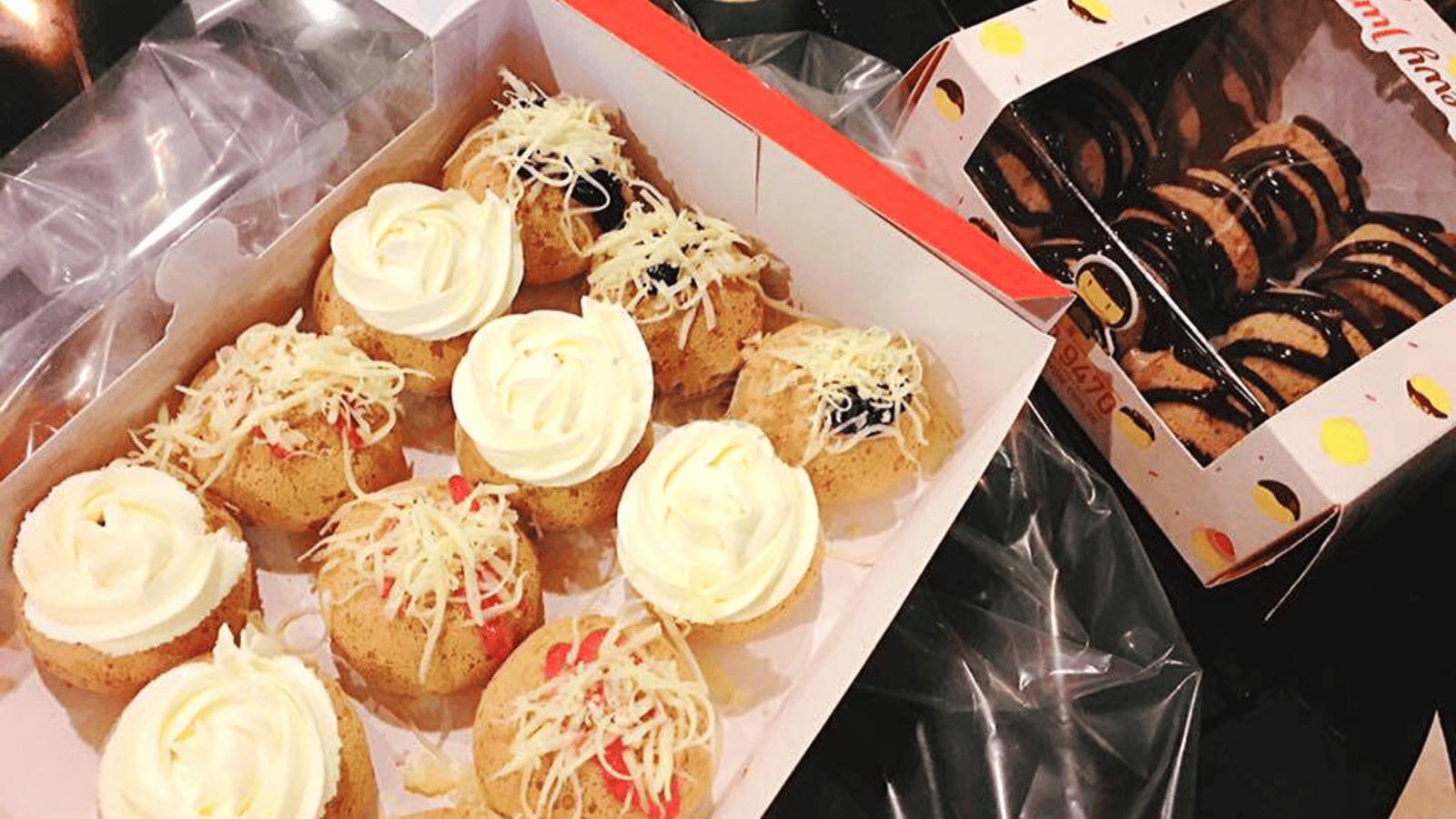 Bánh được đóng gói trong các hộp giấy đẹp mắt