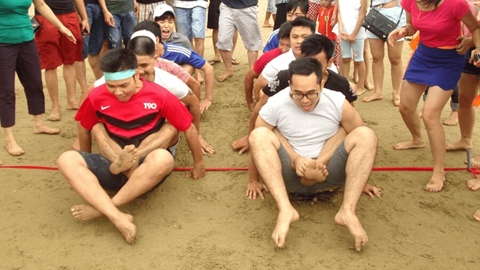 Giải tóa căng thẳng bằng các trò chơi team building đồng đội gắn kết