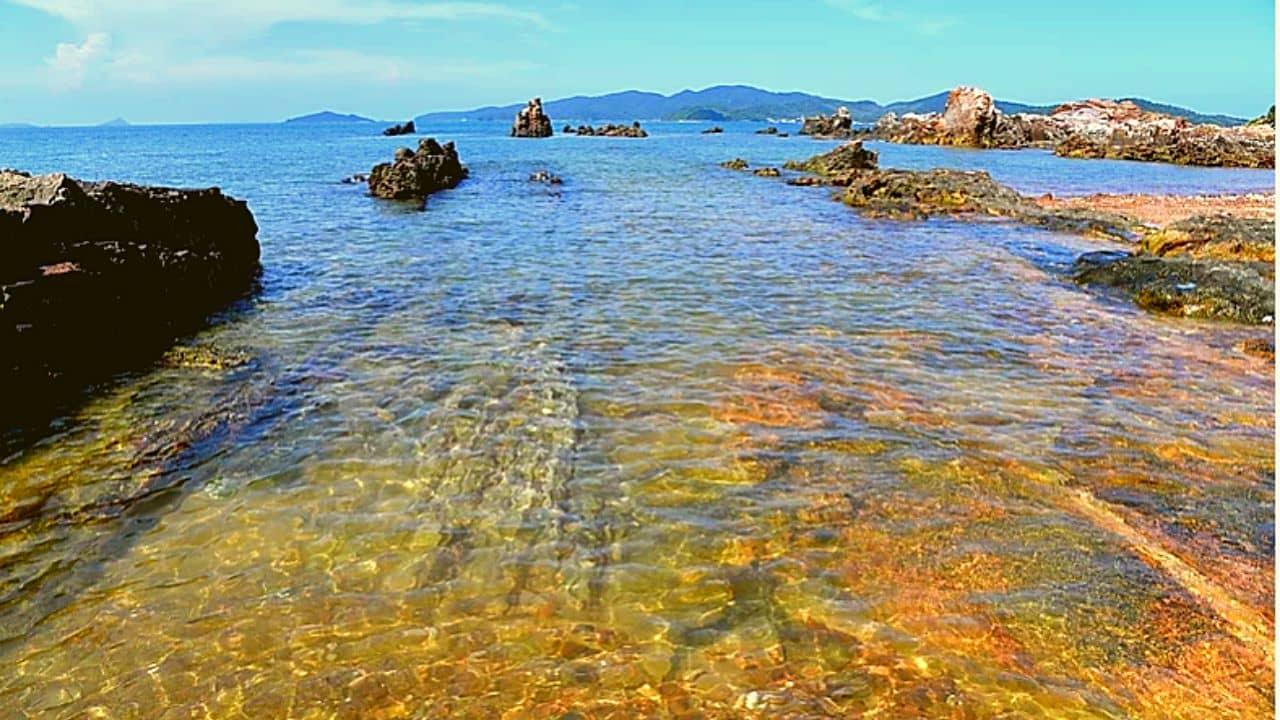 Bãi tắm Vụng Tiên