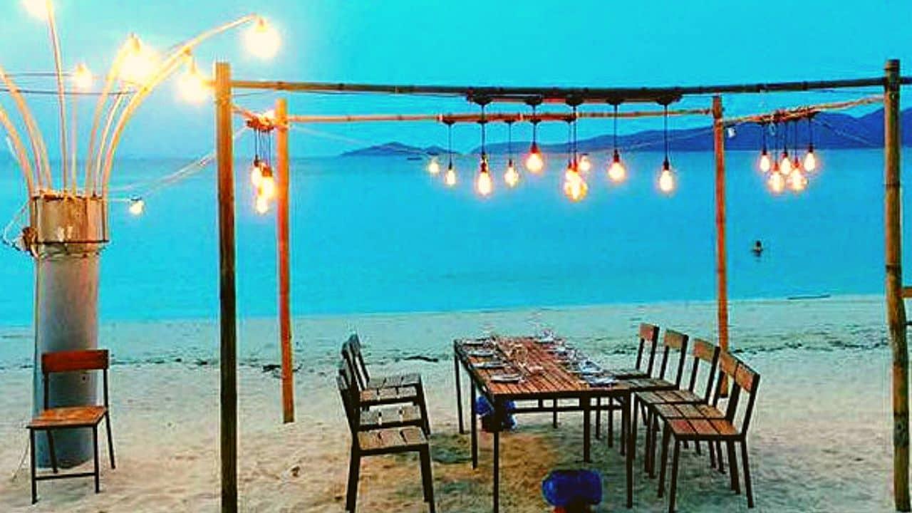 bãi biển Hồng Vàn có cung cấp dịch vụ BBQ hải sản