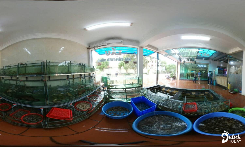Khu vực thả nuôi hải sản tươi sống ở nhà hàng Hoa Sơn cho du khách chọn lựa